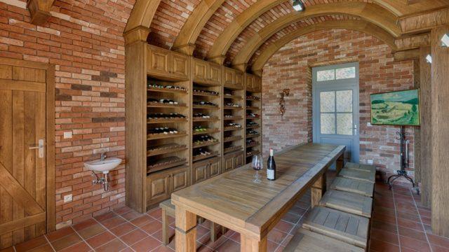 Reštaurácia a vináreň Poľno SME
